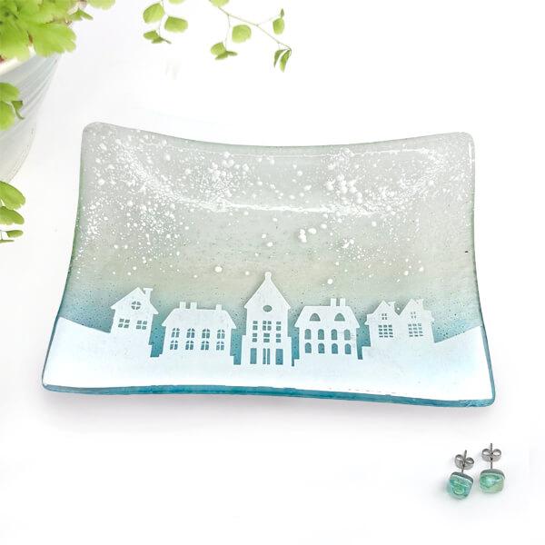CHG Winter Houses Glass Dish Rect. 16x11